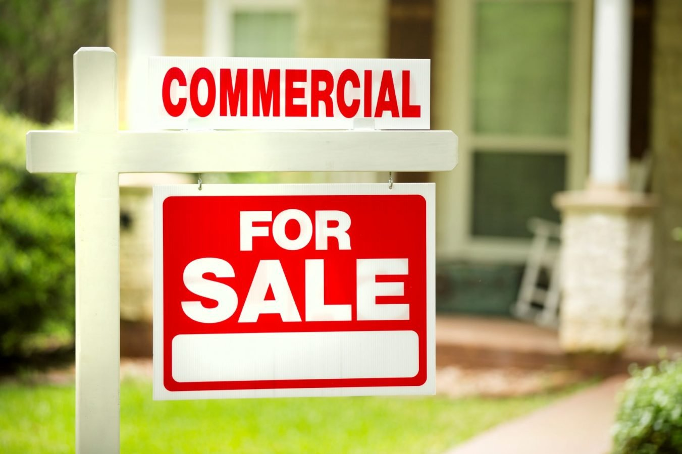 Commercial for sale sign